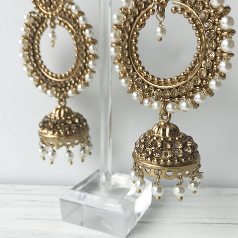 All White Party, Earrings + Tikka - THE KUNDAN SHOP