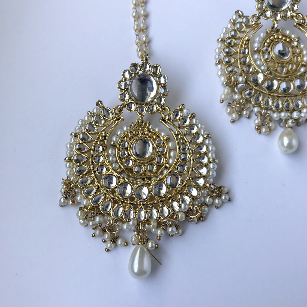 Be Ready By 6, Earrings + Tikka - THE KUNDAN SHOP