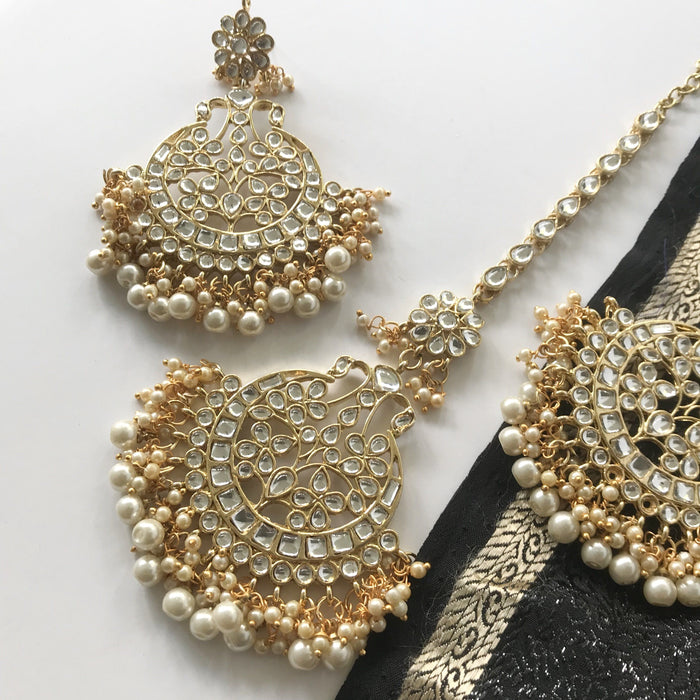 Talk of the Town, Earrings + Tikka - THE KUNDAN SHOP