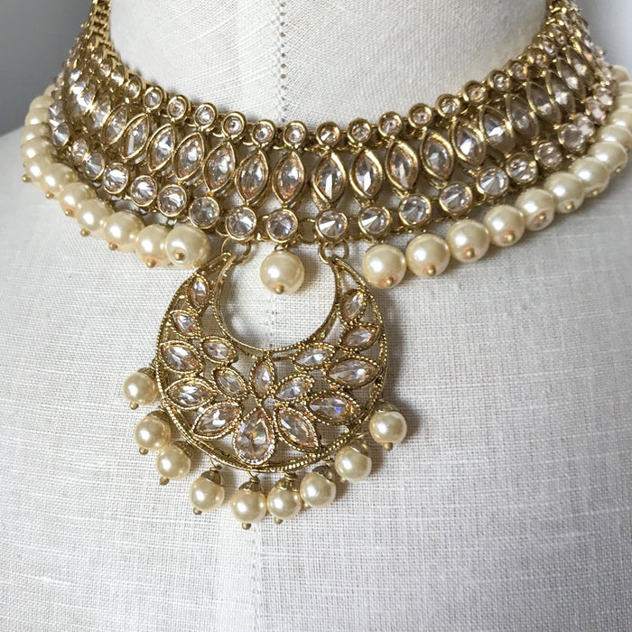 A Round Pendant, Necklace Sets - THE KUNDAN SHOP