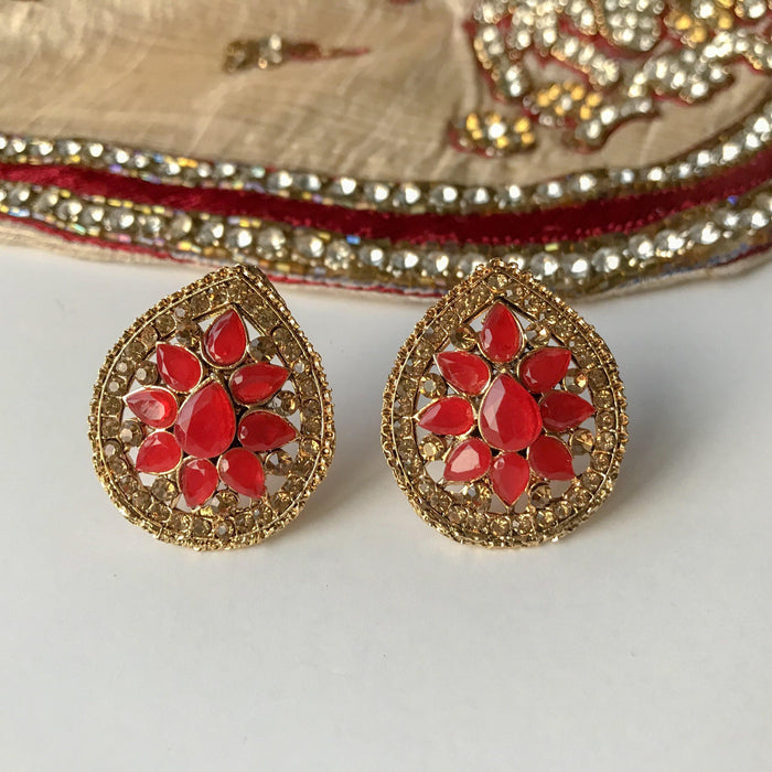 Drops of Gold, Earrings + Tikka - THE KUNDAN SHOP
