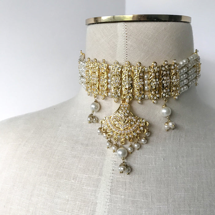 Stay Traditional, Jadau - THE KUNDAN SHOP