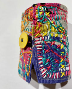 Wrist-Cuff / one-of-a-kind / hand-embroidered