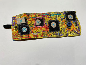 Wrist-Cuff / one-of-a-kind / hand-embroidered & collaged
