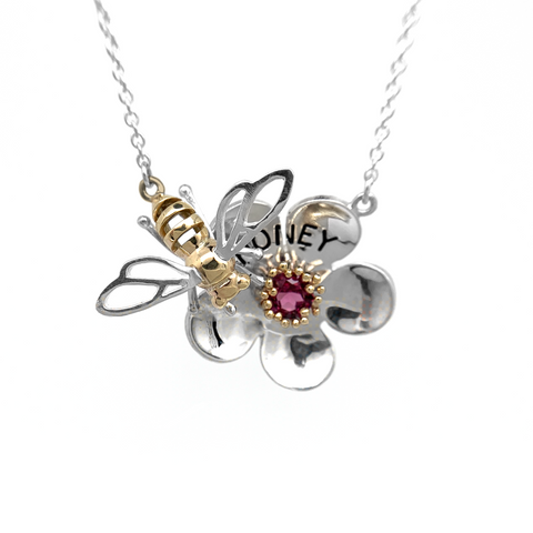 Large Mānuka Flower & Honey Bee Pendant
