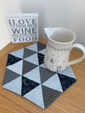 "Ready Made - Triangle Table Mat - Small finished sample 10"" x 10"""