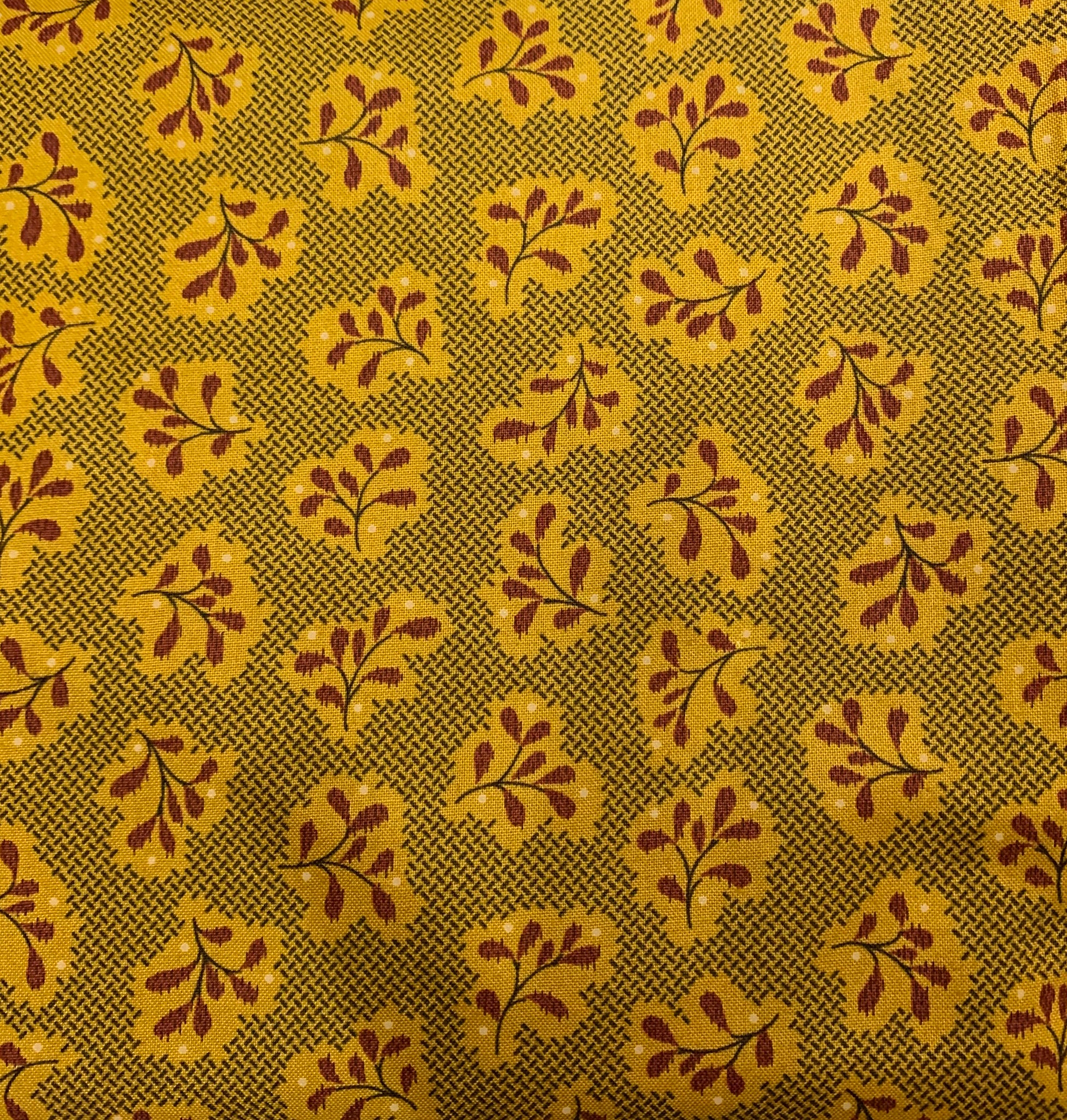 Stof Katie's Cupboard Mustard Yellow and Red pattern fabric 4703 578