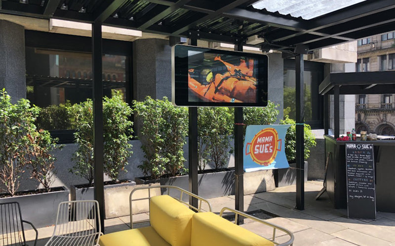 Digital OOH turns out-side space into out-selling space