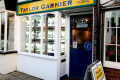 Mid West Displays taylor Garnier Review