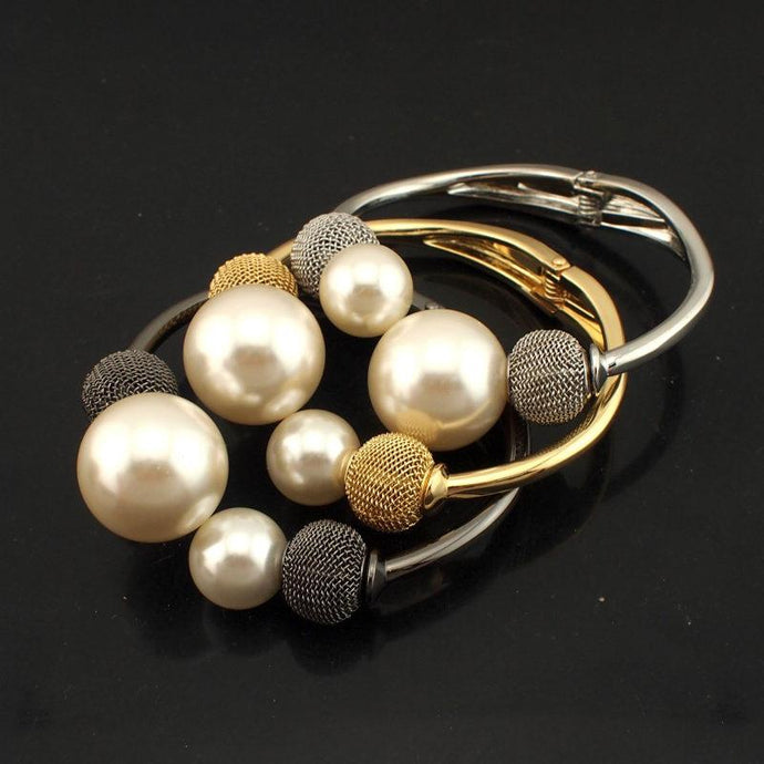 Big Pearl Cuff Bangle - Jewelux & Co.