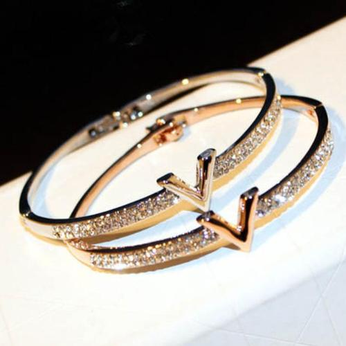 Letter V Bangle - Jewelux & Co.