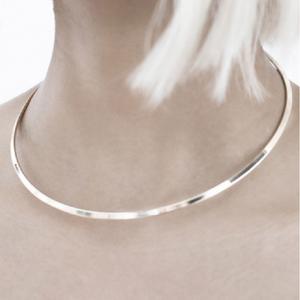 Round Metal Touques Collar Necklace - Jewelux & Co.