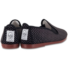 BLACK MONOCHROME PLIMSOLL