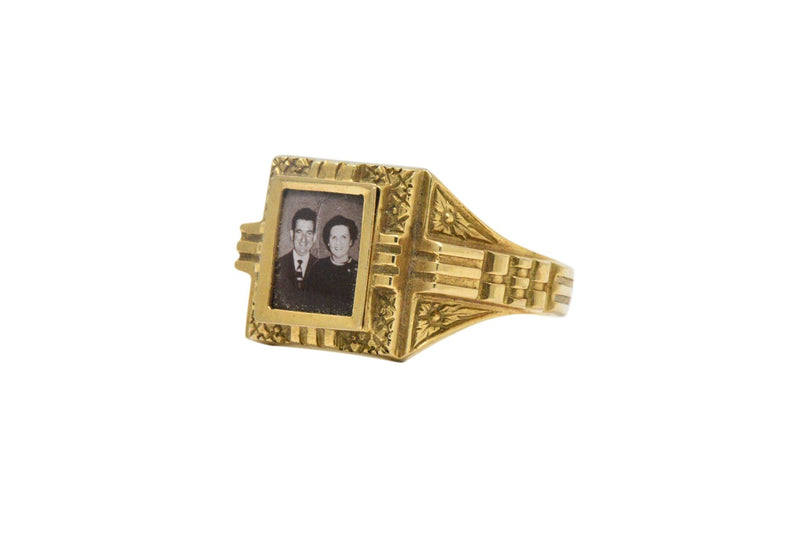 19 Karat Yellow Gold Portrait Frame Unisex / Mens Ring Mid - 19Th Century Ring