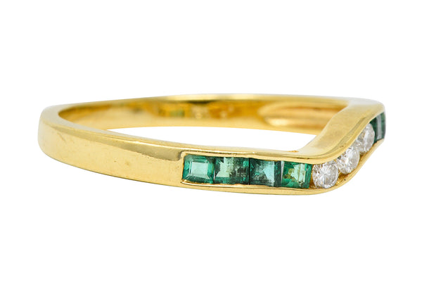 Contemporary 0.35 CTW Emerald Diamond 18 Karat Gold Chevron Band Ring