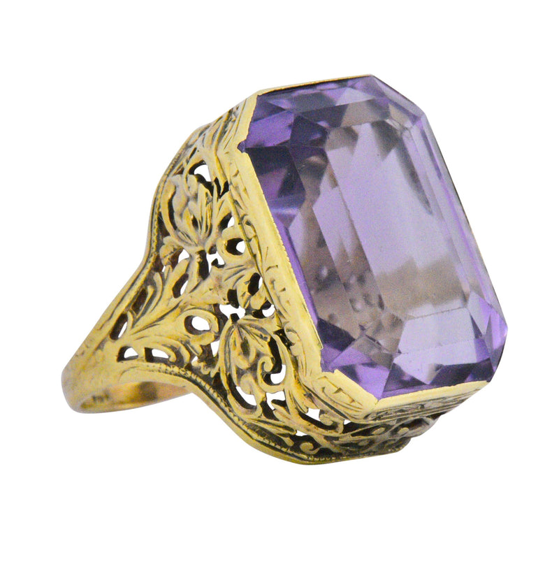 Art Nouveau 14.00 Carat Amethyst And 18 Karat Gold Cocktail Ring