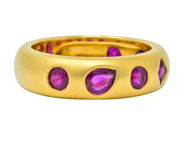 Contemporary 1.75 CTW Ruby 18 Karat Gold Geometric Band Ring Ring Contemporary out-of-stock ruby