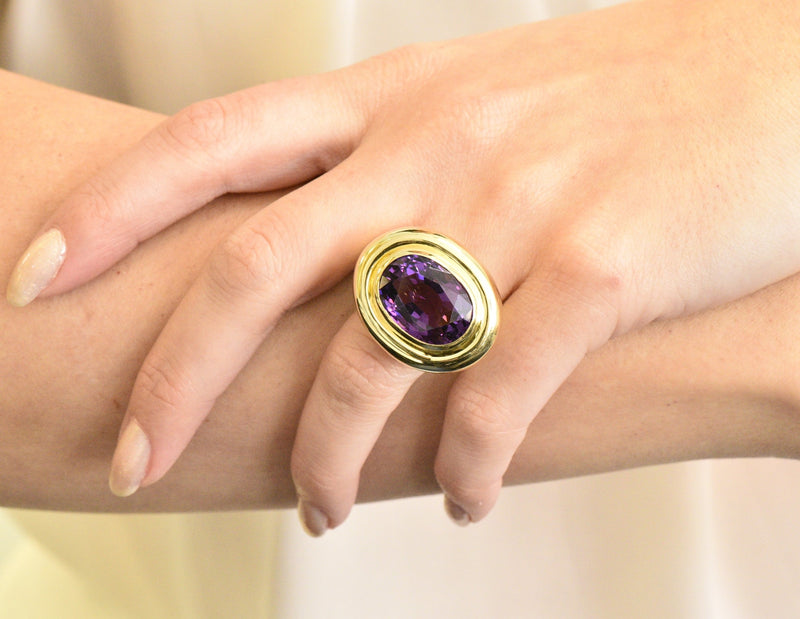 Contemporary 20.00 CTW Amethyst 18 Karat Gold Cocktail Ring - Wilson's Estate Jewelry