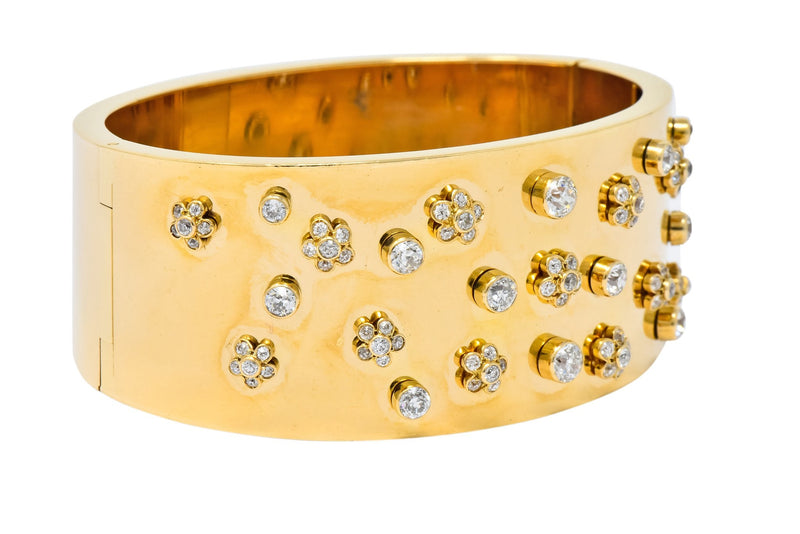 Retro 2.28 CTW Diamond 14 Karat Yellow Gold Bangle 1940s Bracelet bracelet