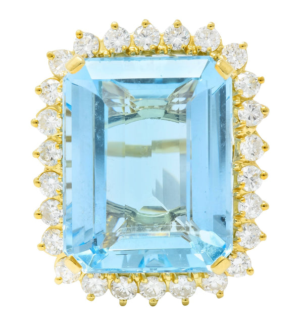 Vintage 30.50 CTW Aquamarine Diamond 18 Karat Gold Cluster Cocktail Ring Ring aquamarine Contemporary diamonds Round brilliant