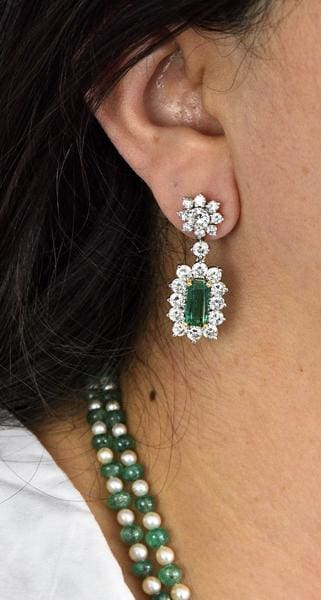 Colombian Emerald Earring Diamond Cluster Estate Jewelry Pearl Necklace