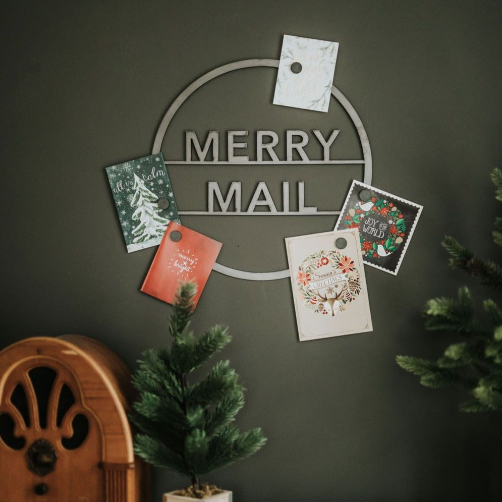 """Merry Mail"" Magnetic Christmas Card Wreath - Sans Serif"