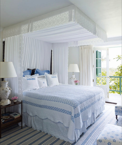 Amanda Lindroth + Dreamy Bed Making