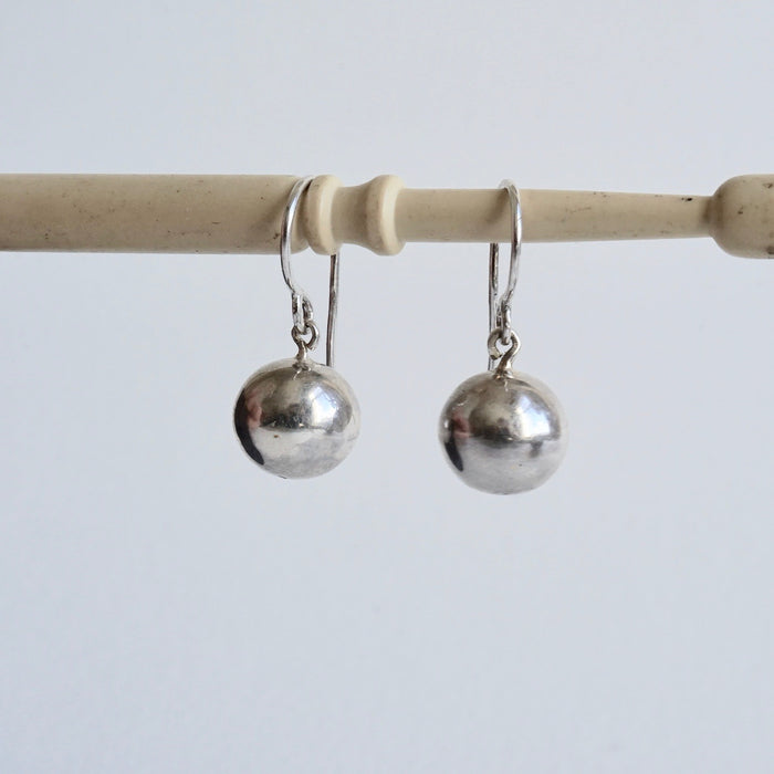 Silver Ball and S hook Drops
