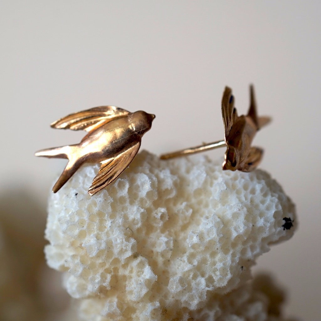9ct Gold Swallow Vintage Stud Earrings