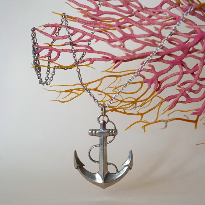 Large Anchor & Silver Chain.
