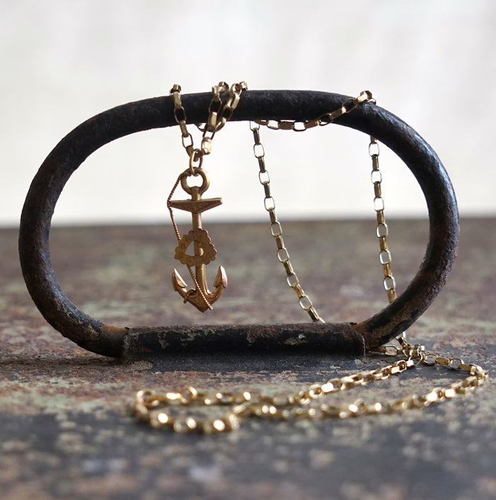 Pure gold anchor and belcher chain, antique, modern vintage jewellery, vintage jewellery