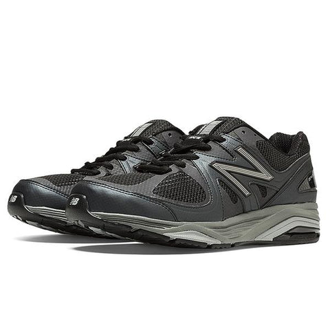M1540v2 Running Shoe in Black Mesh