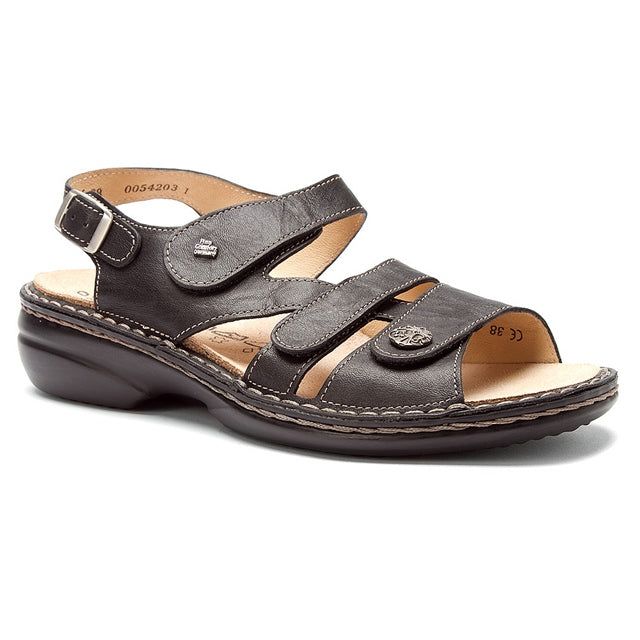 Gomera Sandal in Black Plisseelight
