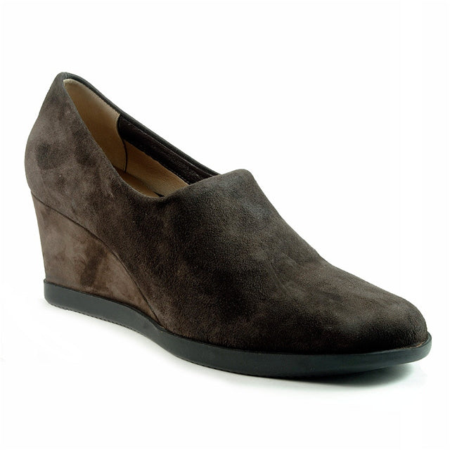 Ruz Wedge in Brown Suede