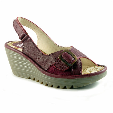 Yaga Wedge Sandal in Magenta Leather