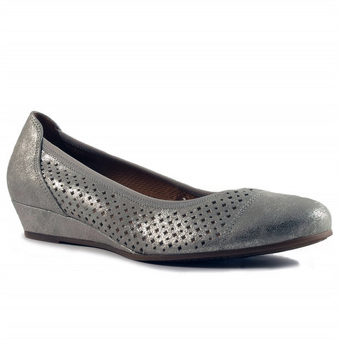 Ballet Wedge in Perforated Metallic Nubuck