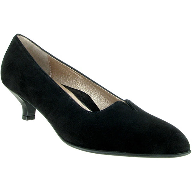 Mystique Pump in Black Suede