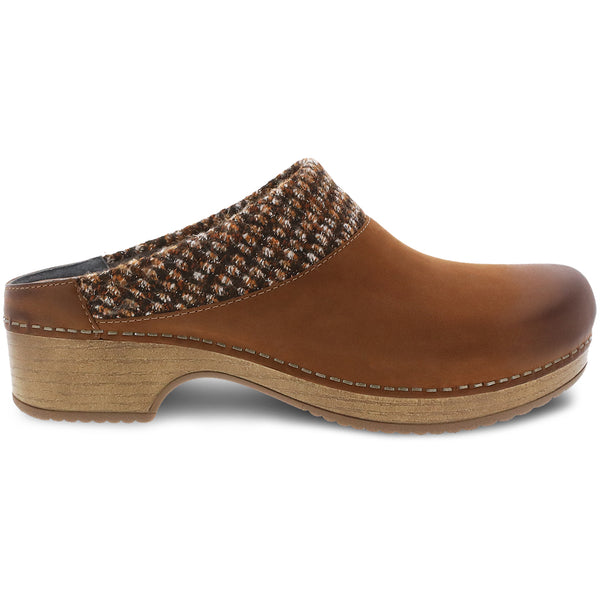 Dansko Women's Bev Clog Tan Nubuck | Mar-Lou Shoes