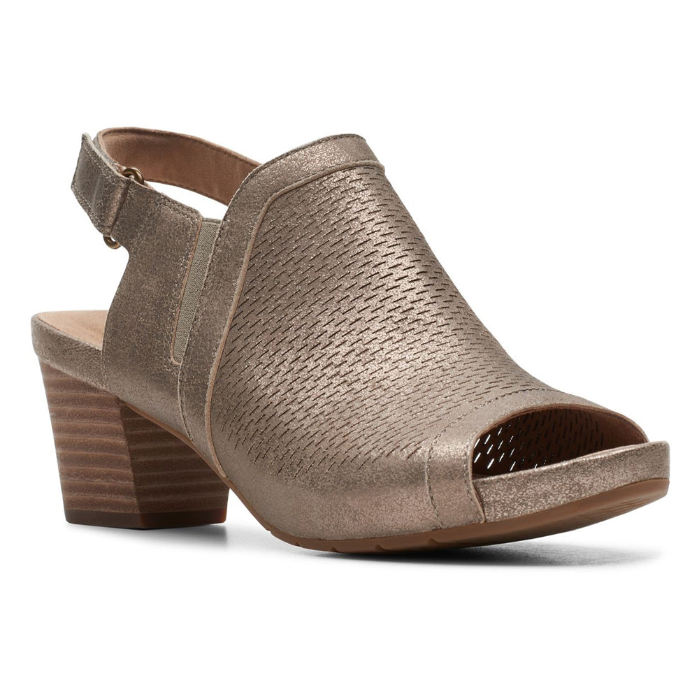 Clarks Un Palma Go Sandal in Pewter Metallic Nubuck at Mar-Lou Shoes