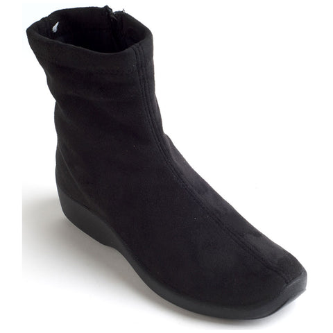 L8 Boot in Black