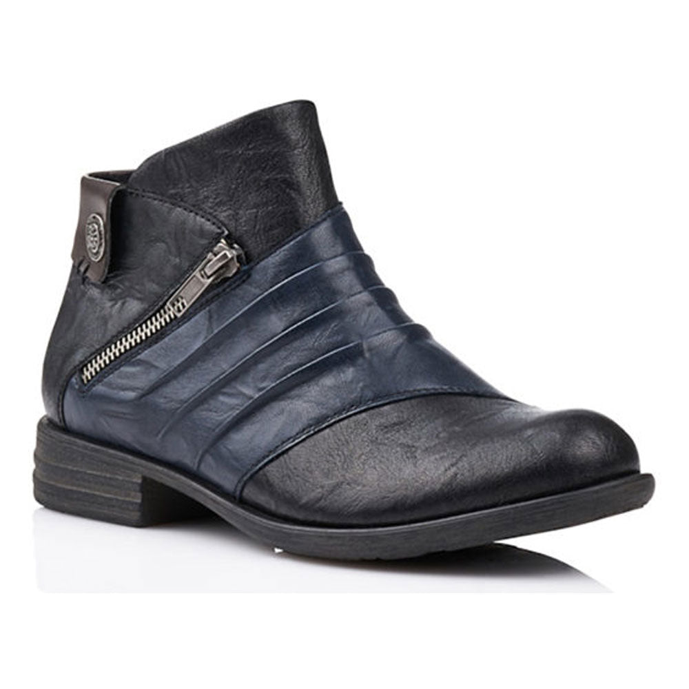 D4971-02 Boot in Black Leather