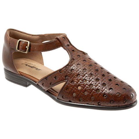 Leatha Open Weave Sandal in Brown