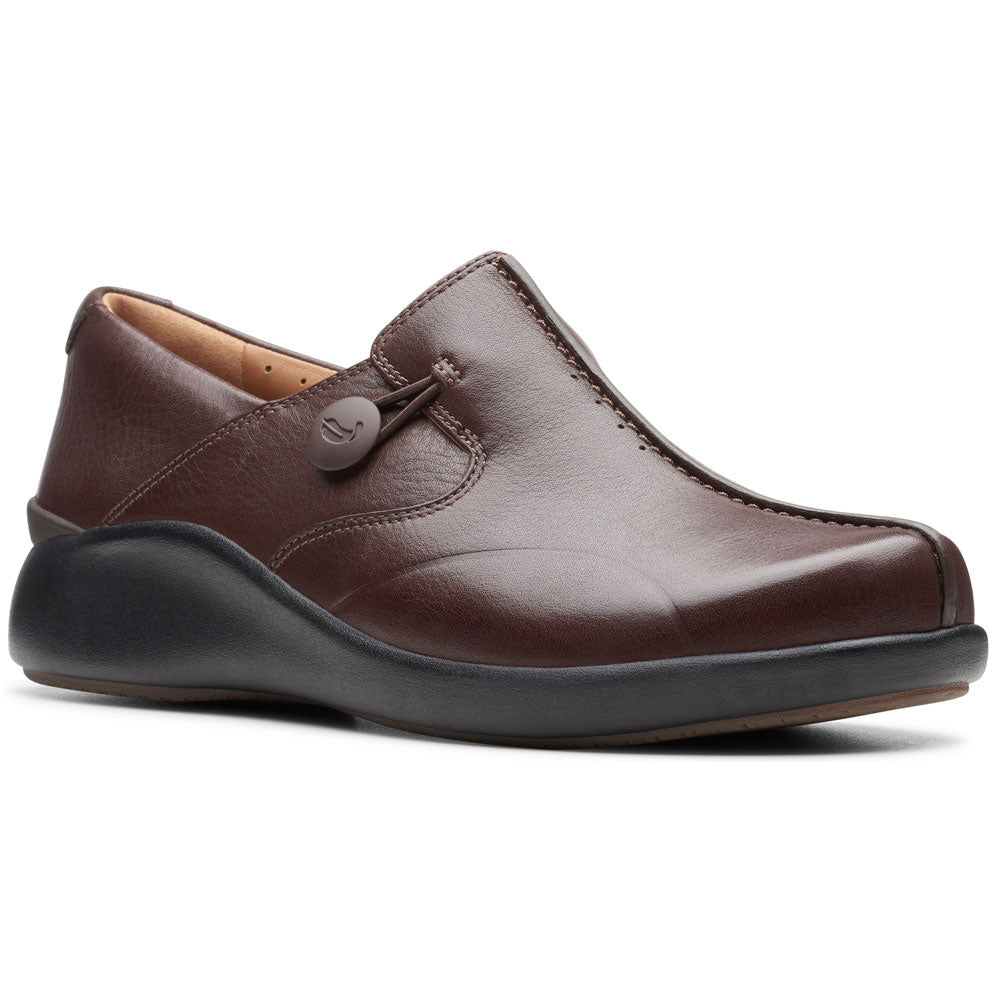 Clarks Un Loop 2 Walk In Brown Leather at Mar-Lou Shoes