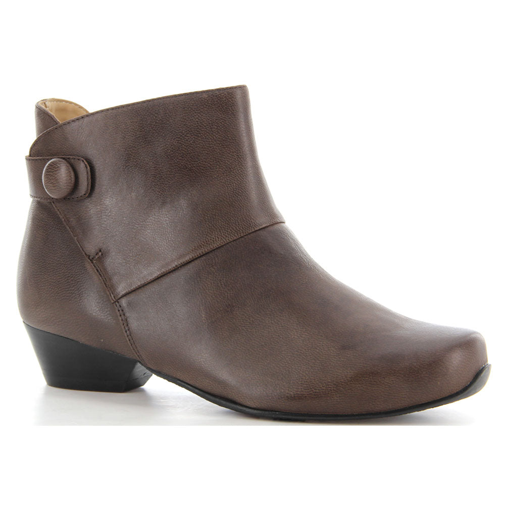 Corban in Cocoa Leather