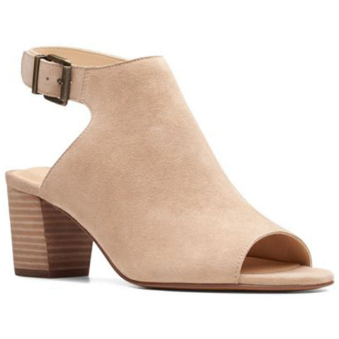 Deloria Gia Sandal in Sand Suede