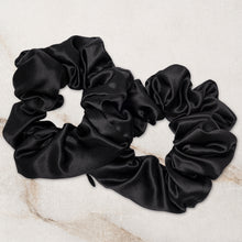 SECRET SILK SCRUNCHIES