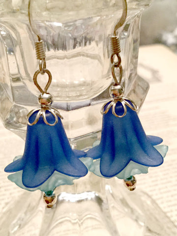 Lucite Flower Earrings - blue