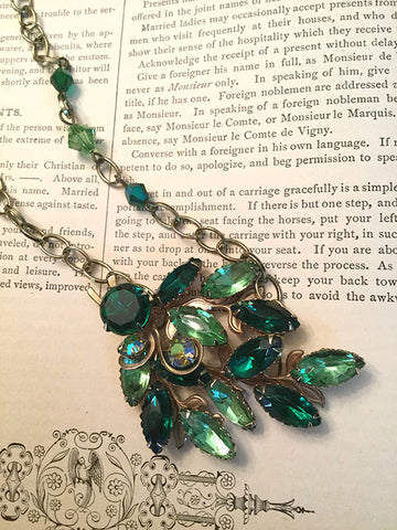 Emerald Green Vintage Necklace