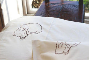 Dog embroidered organic cotton duvet set