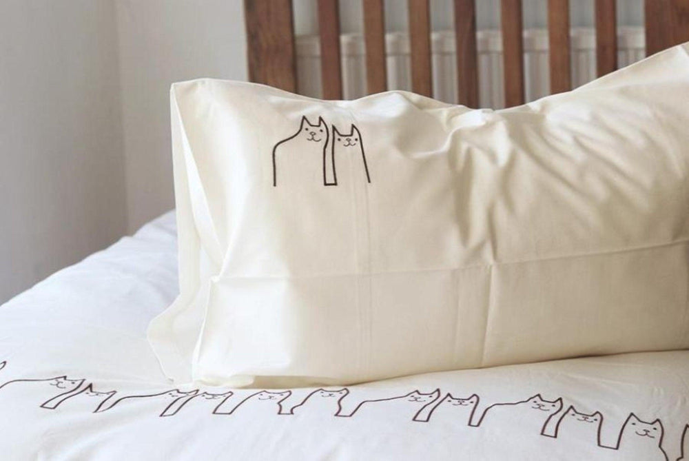 'Fe-line Friends' Embroidered Duvet set